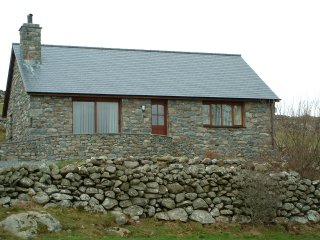 Hengaeau Farm Cottage - a newly built (2002) bungalow on a real working farm